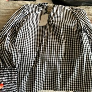 NWT ZARA long sleeve top with cinched wrists!